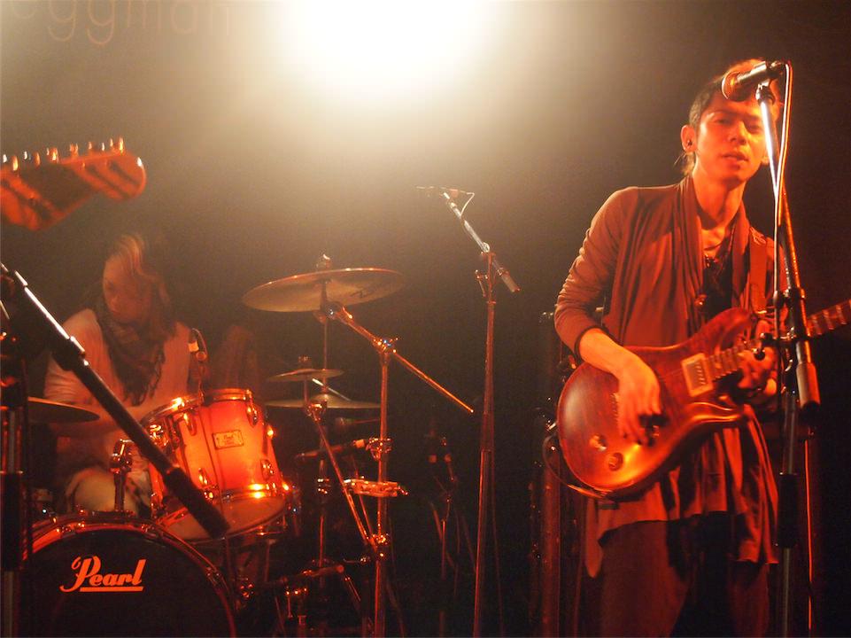 .@delaymania さんがギタリストをつとめるアマオトの3rd シングル「ナミダ」レコ発ライブに行ってきました
